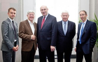 Phil Hogan TD, Minister for The Environment, Community and Local Government (centre) with (L-R) Andrew Hetherington (Business to Arts), Colin McCrea (Atlantic Philanthropies), Frank Flannery (Chair of Forum) and Niall O'Sullivan (The Community Foundation for Ireland)