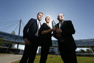 Carlow sculptor Michelle Byrne with Andrew Hetherington, Business to Arts and Paul O'Kane, daa.