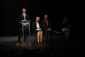 Andrew Hetherington, Business to Arts speaking at the 24th Allianz Business to Arts Awards with Minister Heather Humphreys TD, Brendan Murphy, Allianz and Keelin Shanley