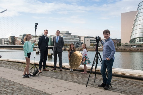 Andrew Hetherington, Chief Executive, Business to Arts & Garry Ferguson, Managing Partner, Walkers with Olivia Forde, Lexi Forde, Anna Sheehan and James Ferguson at the launch of the Walkers Photographer-in-Residence. The Photographer-in-Residence programme under t